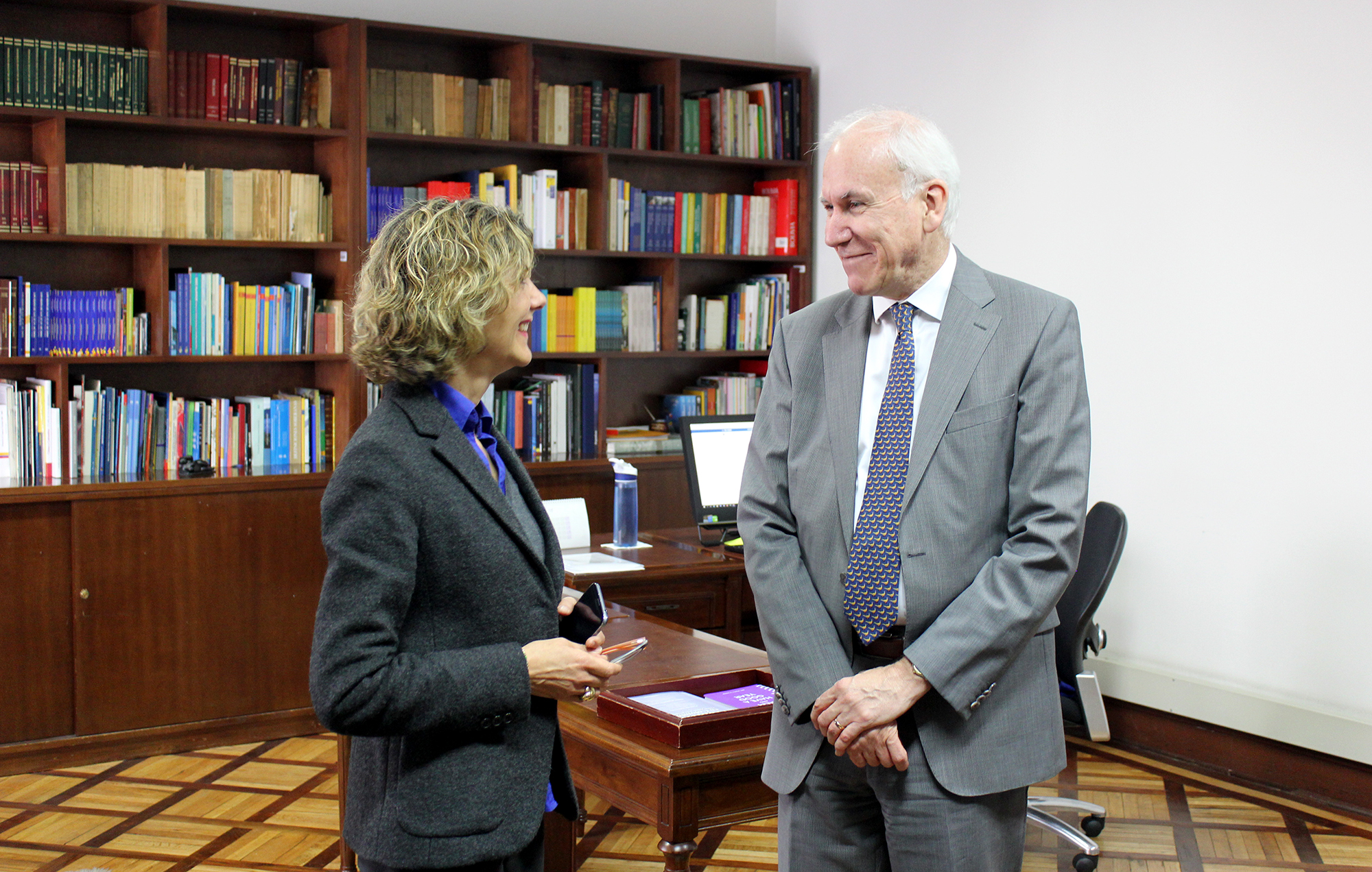 Colombia Y Canad Revisaron Temas De La Agenda Bilateral Canciller A