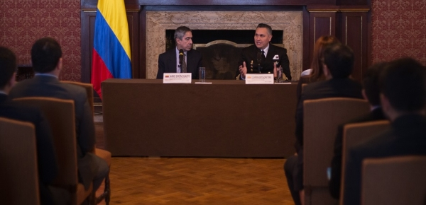 Con el apoyo de la Academia Diplomática Augusto Ramírez Ocampo, la Armada Nacional De Colombia ofreció conferencia sobre Diplomacia Naval