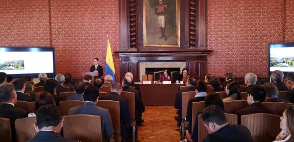 """En el Palacio de San Carlos, sede de la Cancillería, se realizó la presentación del Plan """"Paz con Legalidad"""" al cuerpo diplomático acreditado en el país"""