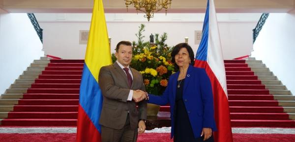 Estabilización y convivencia pacífica, asuntos económicos, comerciales y de cooperación, algunos de los temas abordados por Colombia y República Checa
