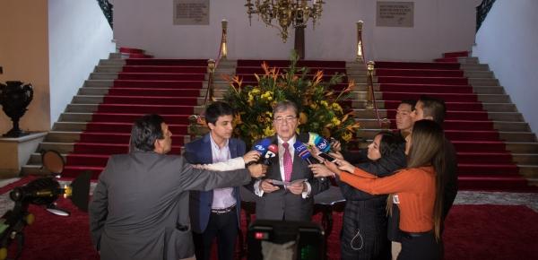 Lorent Saleh agradeció al Canciller Carlos Holmes Trujillo su apoyo a la defensa de la democracia en Venezuela