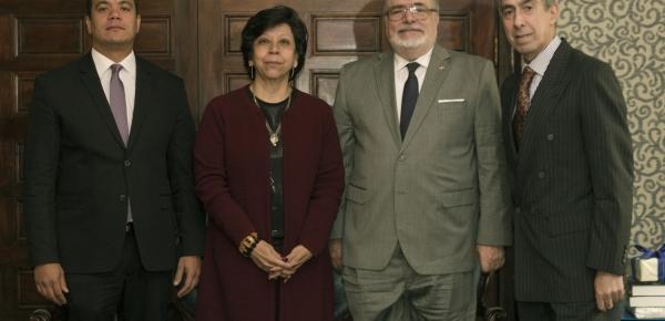 Presentan conferencia sobre la Diplomacia como Instrumento de Ejecución de la Política