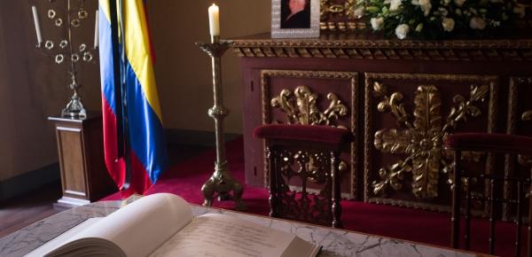 Duelo por el fallecimiento del expresidente Belisario Betancur en el Ministerio de Relaciones Exteriores y sus sedes en el exterior