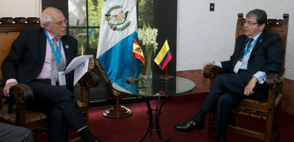 Cancilleres de Colombia y España dialogaron sobre crisis migratoria venezolana y otros temas de interés común en el marco de la Cumbre Iberoamericana en Guatemala