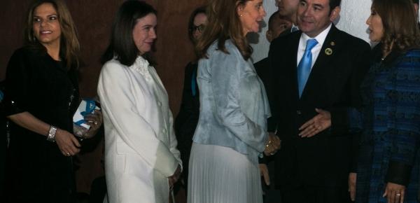 Vicepresidente de Colombia saludó al Presidente de Guatemala en el marco de la Cumbre Iberoamericana