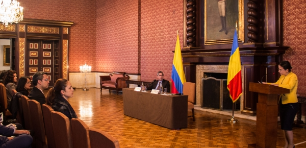 Viceministra de Asuntos Globales del Ministerio de Asuntos Exteriores de Rumania ofreció conferencia sobre la política exterior de su país y las relaciones con Colombia.