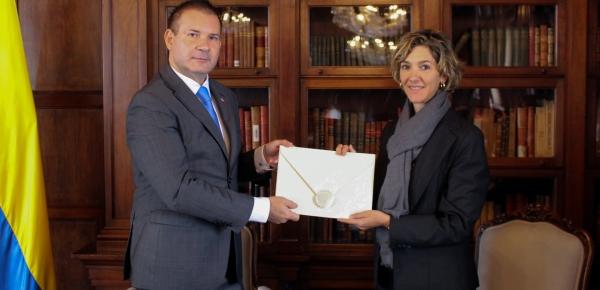 Viceministra de Relaciones Exteriores recibió Copia de Cartas Credenciales del Embajador de la República de Eslovenia en Brasil, concurrente para Colombia, Alain Brian Bergant