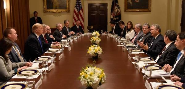 """""""Queremos trabajar juntos para ponerle fin a esta dictadura que está afectando al pueblo venezolano"""": Presidente Iván Duque a su homólogo estadounidense"""