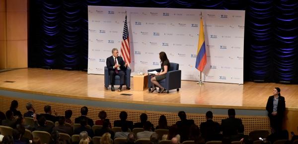 El Presidente Iván Duque, en compañía del Canciller Carlos Holmes Trujillo, asistió a un conversatorio con centros de pensamiento de los Estados Unidos