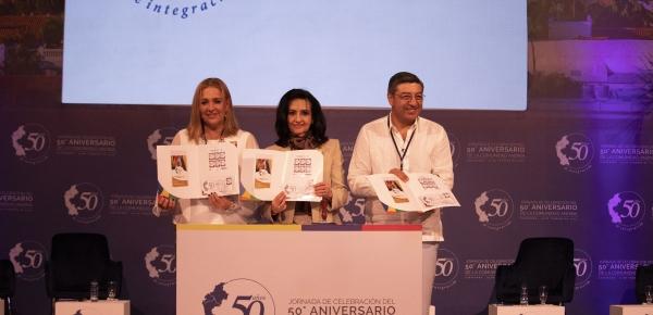 Colombia lanza estampilla conmemorativa para celebrar los 50 años