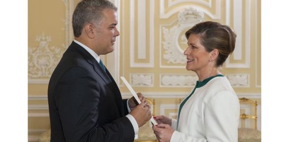 Presidente Iván Duque recibió las cartas credenciales de la primera Embajadora de Irlanda en Colombia, Alison Milton