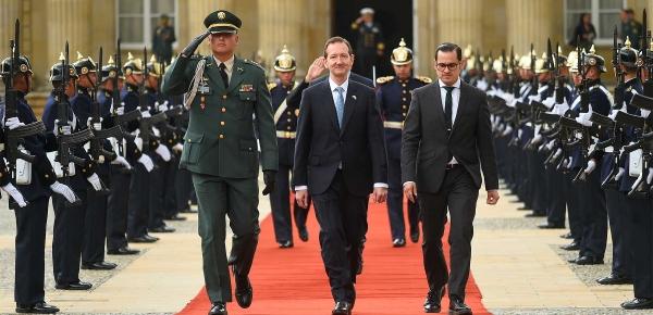Presidente Iván Duque recibió cartas credenciales del Embajador de Reino Unido en Colombia, Colin Martin-Reynolds
