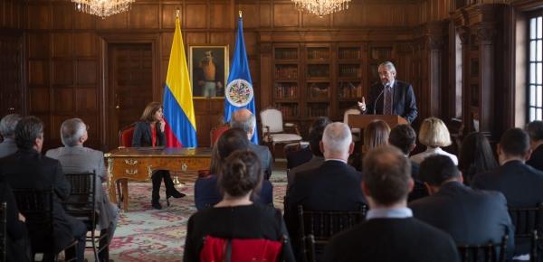 Canciller Holguín agradeció al jefe de la MAPP/OEA por su compromiso y persistencia en el acompañamiento al proceso de paz