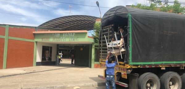 Cancillería y Colombia Transforma entregaron mobiliario escolar a municipios que atienden a menores migrantes en Villa del Rosario, Los Patios y Tibú