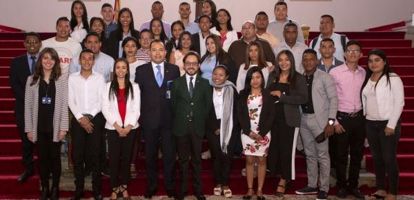 """Los Estudiantes de la Universidad de La Guajira visitaron la Academia Diplomática """"Augusto Ramírez Ocampo"""""""