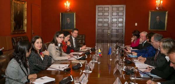 La Canciller Encargada, Adriana Mejía, sostuvo una reunión con el Director General de Cooperación Internacional y Desarrollo de la Unión Europa, Stefano Manservisi