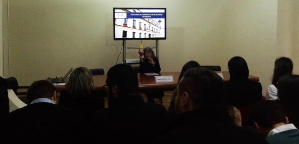 Estudiantes de la Universidad Jorge Tadeo Lozano conocieron las oportunidades que tienen los jóvenes profesionales en el curso de formación de la Academia Diplomática