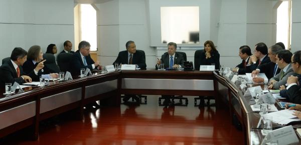 Ministra Holguín asistió a la sesión del Gabinete para el Posconflicto