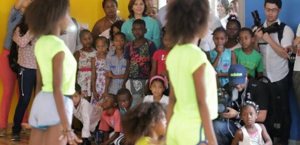 Ministra Holguín aseguró desde Tumaco que la casa lúdica que se construyó contribuye para que la niñez tenga un  futuro mejor