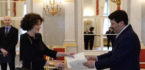 Embajadora Ana Piedad Jaramillo presentó sus cartas credenciales ante el Presidente de la República de Hungría