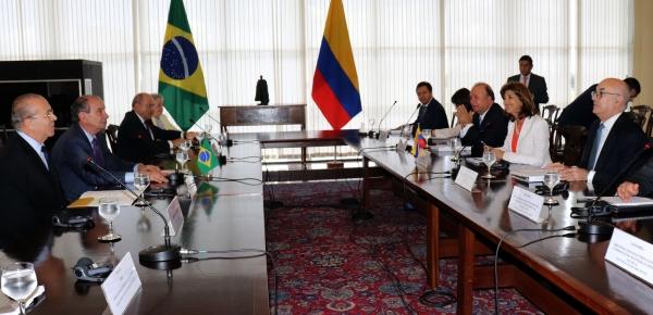 Canciller María Ángela Holguín y Ministro de Defensa Nacional, Luis Carlos Villegas, se reunieron con sus homólogos