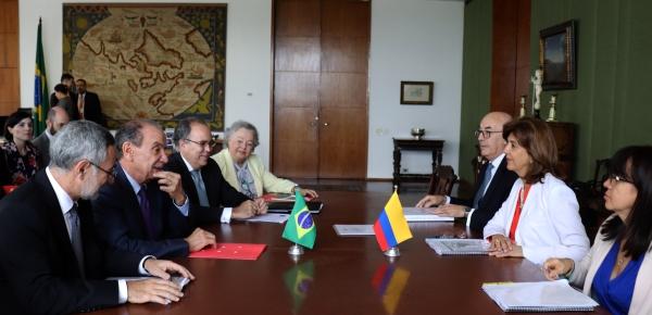 Canciller María Ángela Holguín se reunió con el Ministro de Relaciones Exteriores de Brasil