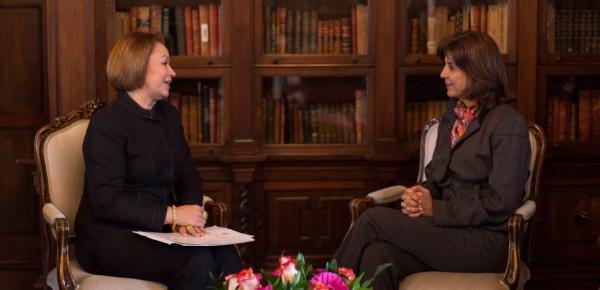 Canciller María Ángela Holguín recibió las copias de cartas credenciales de la nueva Embajadora de Nicaragua