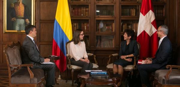 La nueva Embajadora de Suiza en Colombia presentó copias de cartas credenciales a la Canciller encargada
