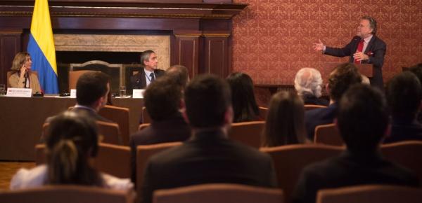 Ministro Adjunto de Relaciones Exteriores de Grecia ofreció conferencia sobre el futuro de Europa desde la óptica de su país