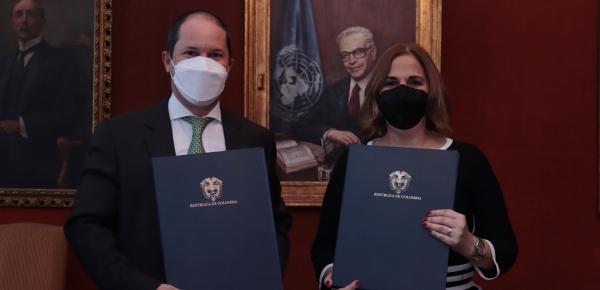 Autoridades migratorias de Colombia y Panamá suscribieron Memorando de Entendimiento de Cooperación sobre Flujos Migratorios Irregulares entre ambos países