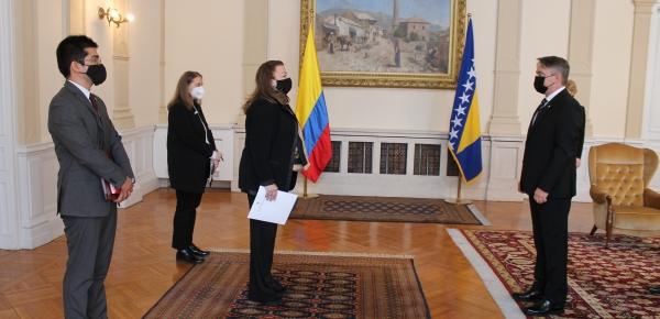 La Embajadora  presentó cartas credenciales en Bosnia y Herzegovina