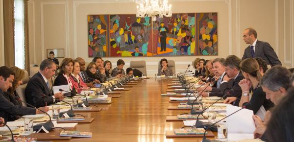 El Presidente Juan Manuel Santos lideró una nueva sesión de trabajo con su gabinete ministerial, en el que participó la Ministra de Relaciones Exteriores, María Ángela Holguín, y cuyo tema principal fue el posconflicto