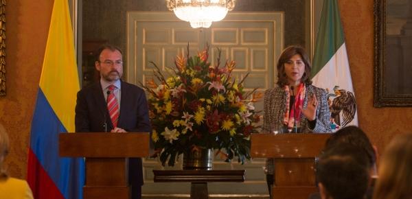 Cancilleres Holguín y Videgaray impulsan la relación estratégica entre Colombia y México