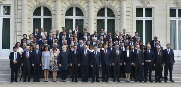 Foto oficial de los ministros asistentes al Consejo Ministerial de la OCDE 2018