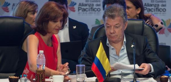 Ministra de Relaciones Exteriores acompañó al Presidente de Colombia en la plenaria de la Alianza
