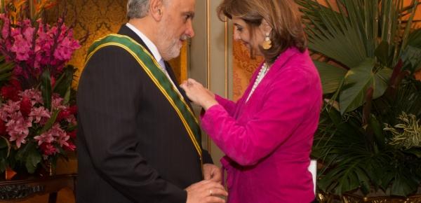 La Canciller Holguín le impuso la Orden de San Carlos en el Grado de Gran Cruz al Embajador de Uruguay en Colombia, Duncan Croci de Mula