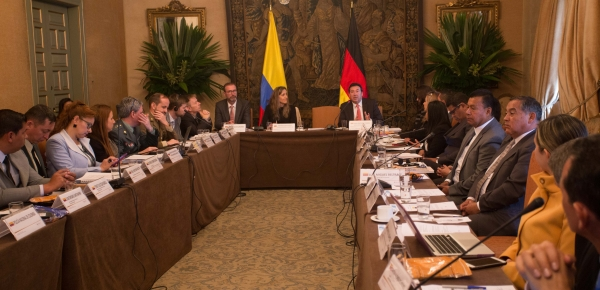 Cancillería acoge actividad sobre estado actual y pasos a seguir hacia la implementación nacional del Tratado Sobre Comercio de Armas