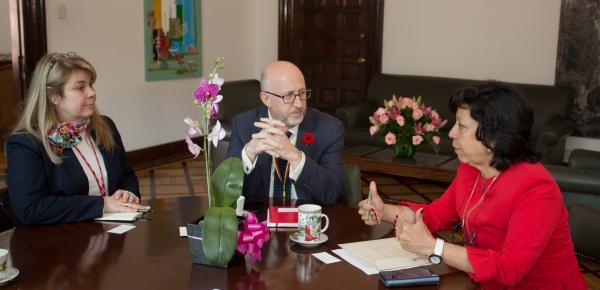 La Viceministra de Relaciones Exteriores, Luz Stella Jara, le dio la bienvenida al Viceministro Adjunto para las Américas de Canadá, Michael Grant