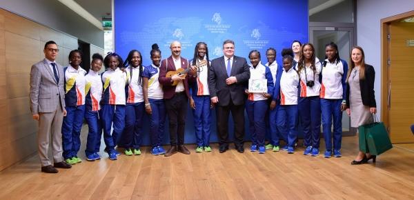 El Ministro de Relaciones de Exteriores de Lituania se encontró con deportistas chocoanas durante intercambio de Diplomacia Deportiva y Cultural
