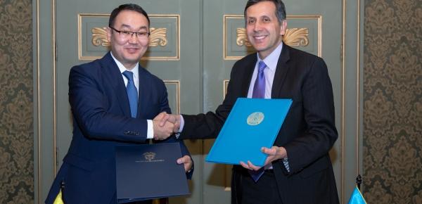 Colombia y Kazajistán firmaron acuerdo sobre la exención de requisitos de visa para titulares de pasaportes diplomáticos, oficiales y de servicio