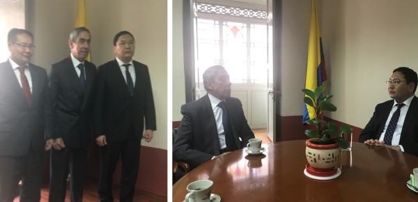 Director de la Academia Diplomática intercambió puntos de vista sobre la formación de los futuros diplomáticos de carrera con el Secretario de Estado de la Cancillería de Mongolia