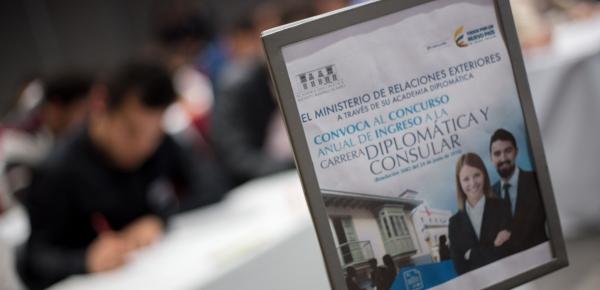 Cancillería busca profesionales colombianos que quieran ser diplomáticos
