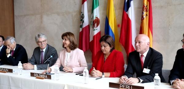 """Canciller de Colombia destacó como un """"hito importante para el relacionamiento externo"""" la suscripción de la Declaración Conjunta entre la Alianza del Pacífico y España"""
