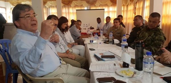 Canciller Carlos Holmes Trujillo anunció en Capurganá que se realizará un plan de choque para atender la crisis migratoria
