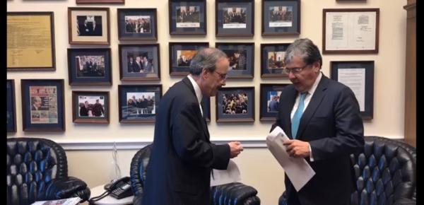 Canciller Carlos Holmes Trujillo se reunió con el Representante de la Cámara de los Estados Unidos