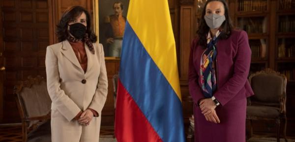 Canciller Claudia Blum posesionó a Mariana Pacheco Montes como Embajadora en la India