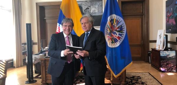 Canciller Carlos Holmes Trujillo hizo entrega del Conpes: Estrategia para la atención de la migración desde Venezuela a Luis Almagro, Secretario General de la OEA