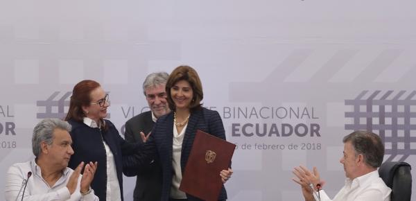Canciller Holguín, su homóloga de Ecuador y Gerente del Departamento de Países Andinos del BID suscribieron Memorando de Entendimiento para definir administración del Fondo Binacional