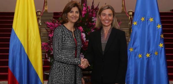 Canciller María Ángela Holguín se reunió con la Alta Representante para Asuntos Exteriores y Política de Seguridad, y Vicepresidente de la Comisión Europea, Federica Mogherini