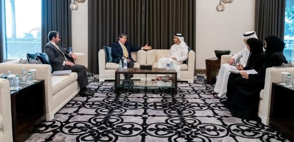Canciller revisó agenda bilateral en temas de comercio, inversión y cooperación, con su homólogo de Emiratos Árabes Unidos